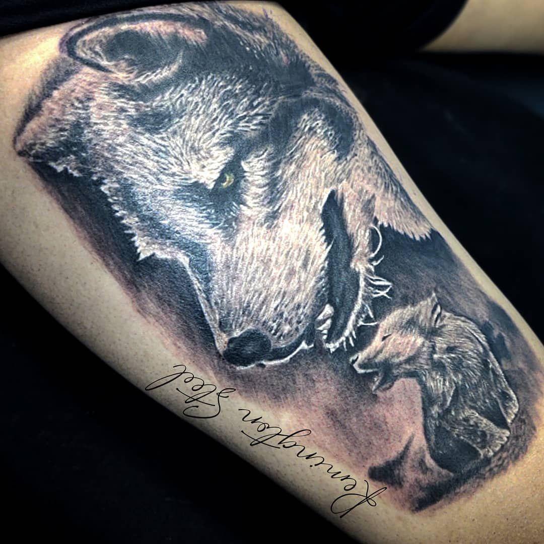 Padre e hijo, Carne y Sangre  Vive Libre... Vive la Vida que Amas  #tattoolobo#tattooidea #lobos#tattooers #tattoobarranquilla #tattoocolombia #colombia #barranquilla  #tattooink #tattooworld #tattoocommunity #tattooblackandgrey #tattoorealistic #tattoos #tattoorealistic #tattoorealismo