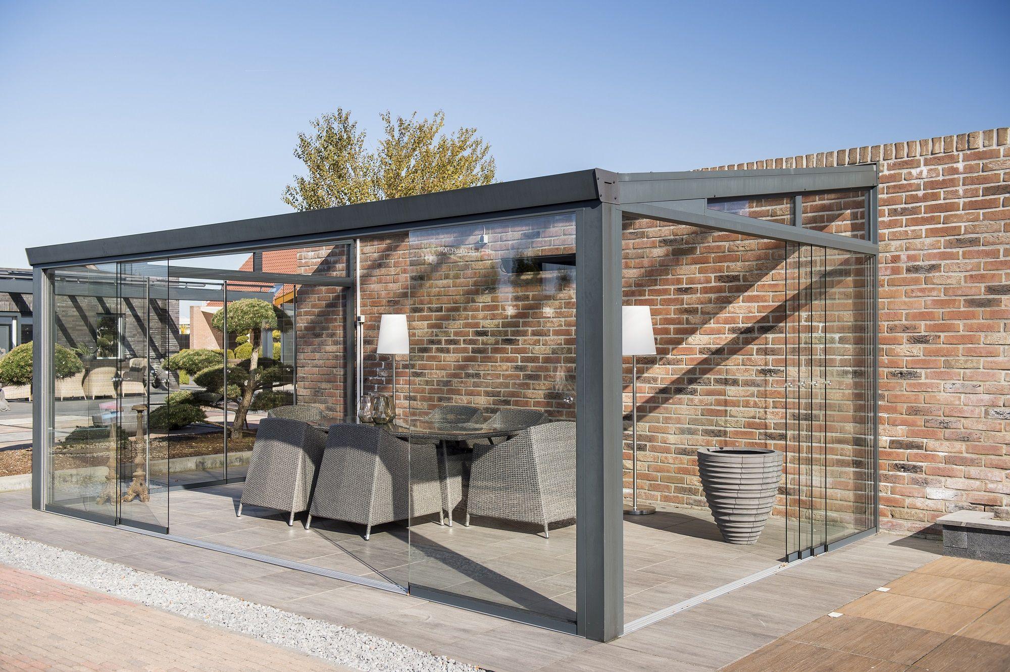 Modernes Aluminium Gartenzimmer oder Wintergarten. Sieht