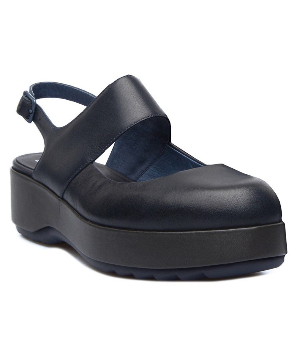 CAMPER Camper Dessa Leather Sandal'. #camper #shoes #sandals