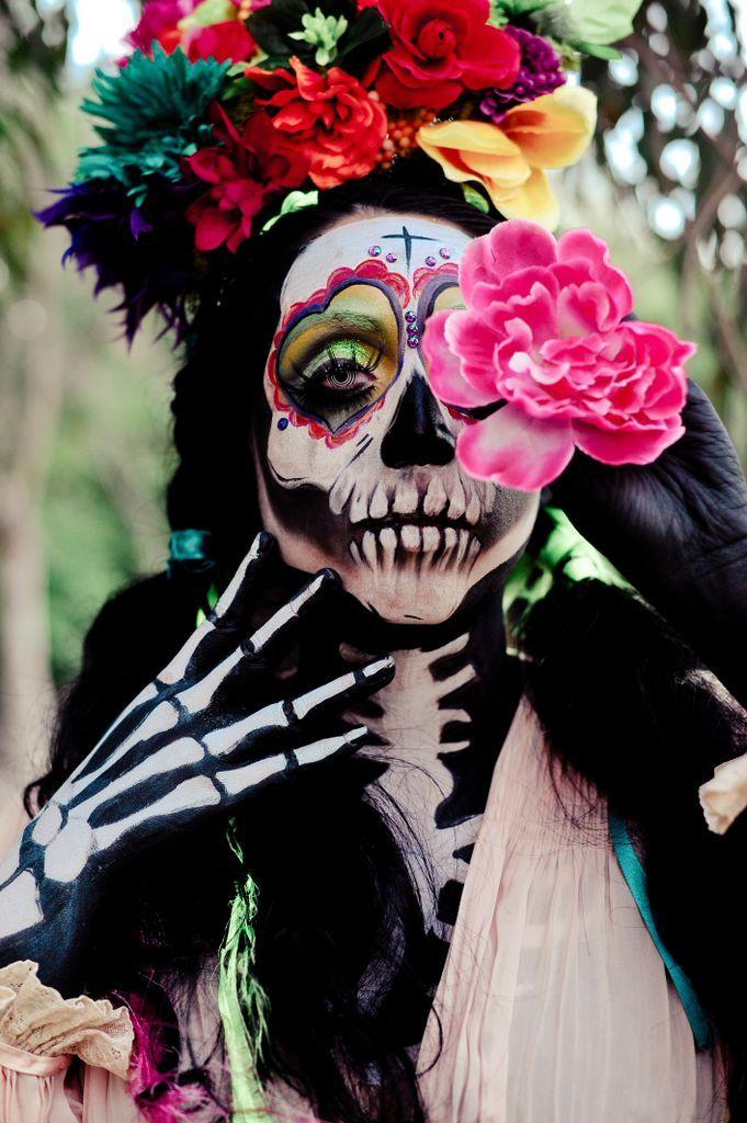 Dia De Los Dulces Floral headpiece, Makeup, Halloween