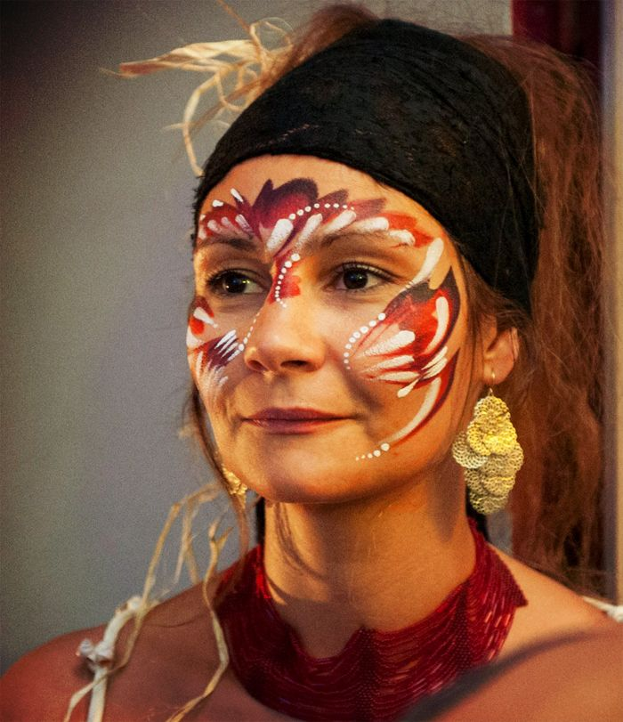 maquillage d indienne femme jour de l an maquillage carnaval femme maquillage carnaval et. Black Bedroom Furniture Sets. Home Design Ideas