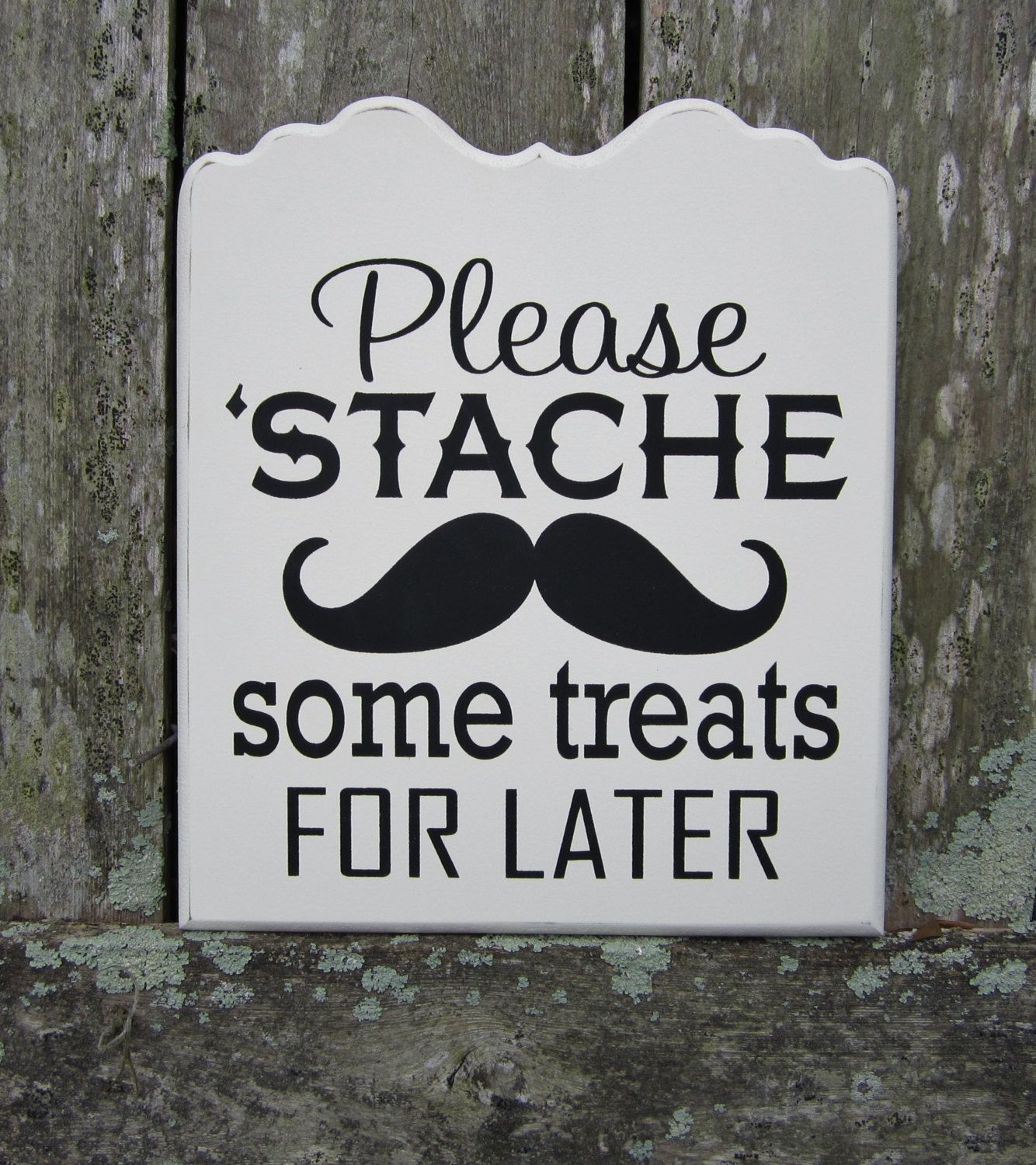 12 Wedding Signs You (And Your Guests) Will Love Wedding