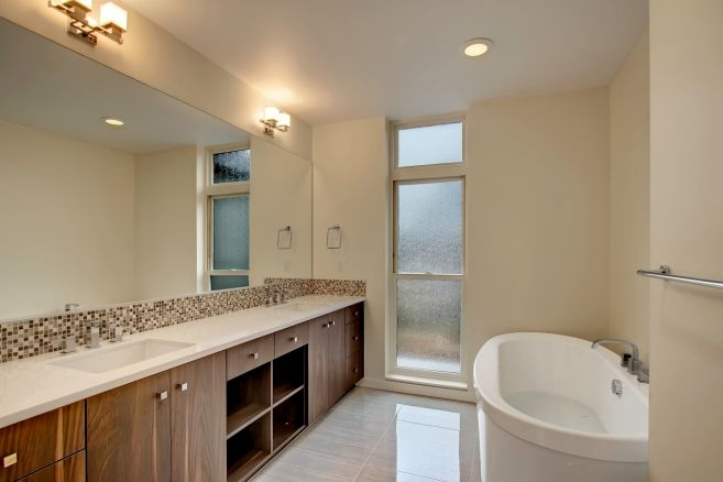 Isola Homes | Recently Sold Home | Seattle WA | Capitol Hill | Entertainer's Dream