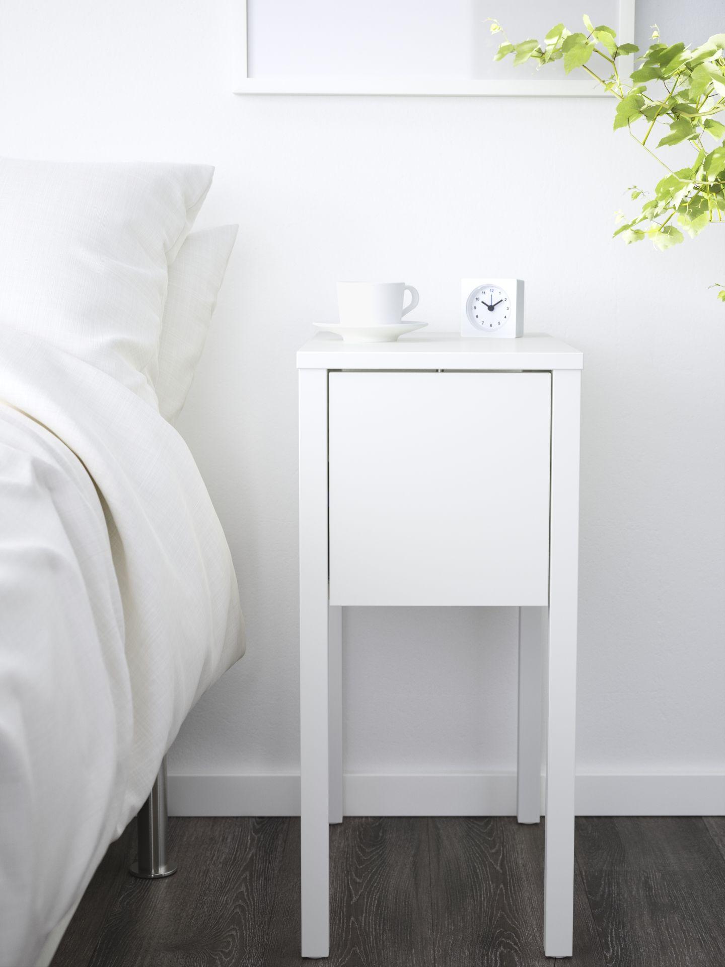 Bed Kast Nachtkastje.Nordli Nachtkastje Wit Nachtkastje Ikea Small Bedroom Small
