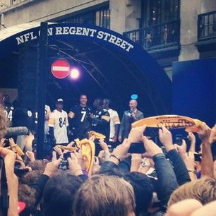 @_BigBen7 @Pittsburgh Steelers Football #nfluk #regentstreet #london #nfl #steelersvsvikings - @Brenda Rangel