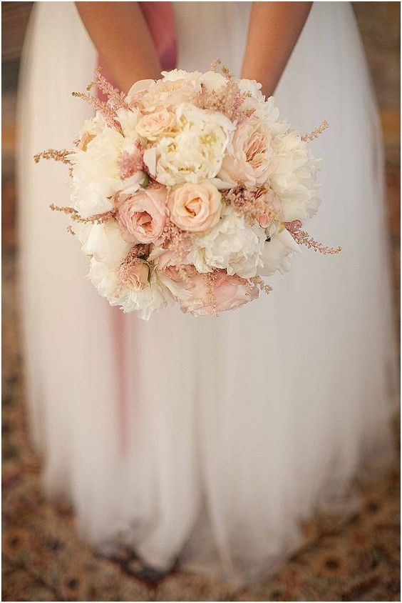 lovely wedding bouquet for a blush wedding the david austin wedding rose juliet would fit perfectly here