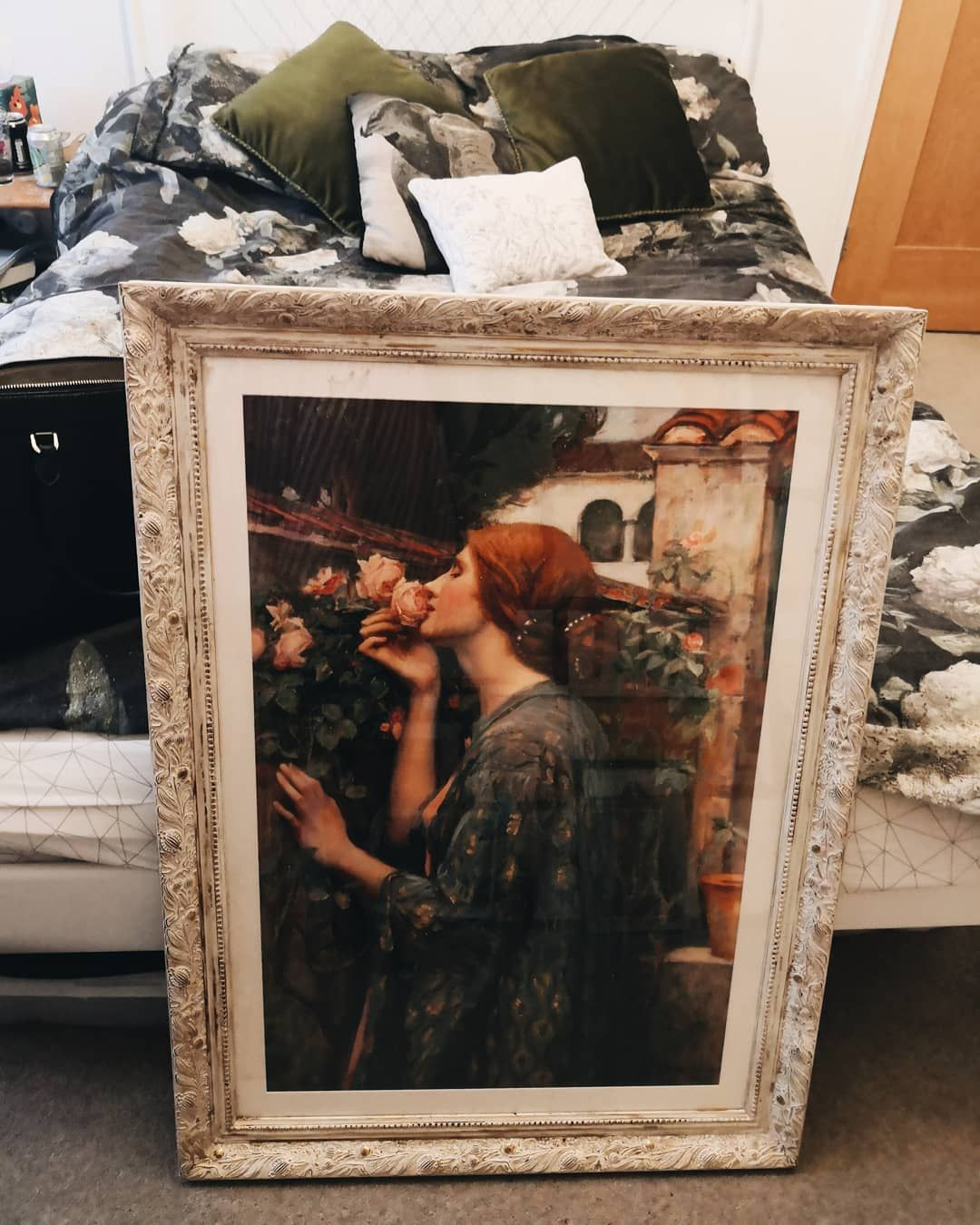 Had to post on the grid #cringe but I cannot believe I just got this beautiful John William Waterhouse print and huge frame for ten pounds off gumtree!! Such a bargain