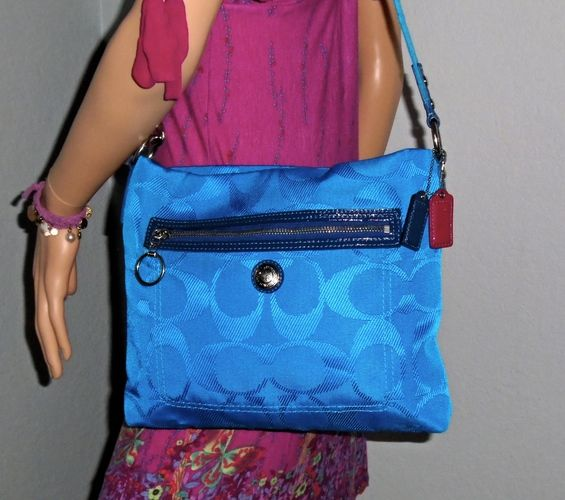 I'm auctioning 'COACH Daisy Electric Blue Signature Cross Body Bag ' on #tophatter