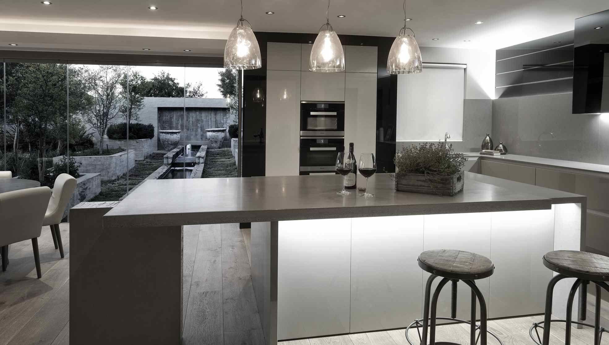 Indirect light | Luxury kitchen, Kitchen design companies ...
