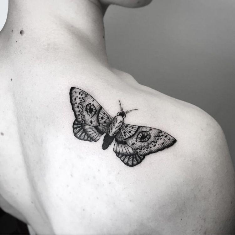 Motte Tattoo Bedeutung Des Motivs Und Einige Der Schonsten Mottenarten Tattoos Mit Bedeutung Wikinger Tattoo Symbole Tattoo Bedeutungen