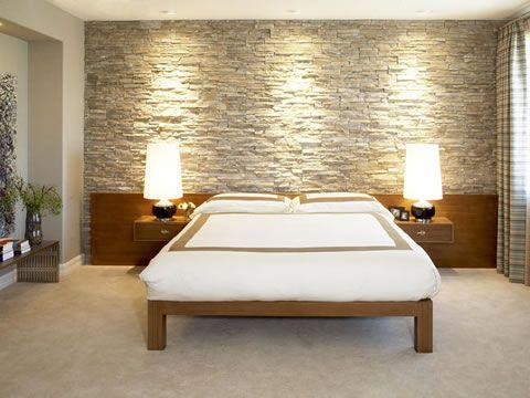 Ideas para decorar tu dormitorio con piedra moda muros for Ideas para decorar paredes de dormitorios