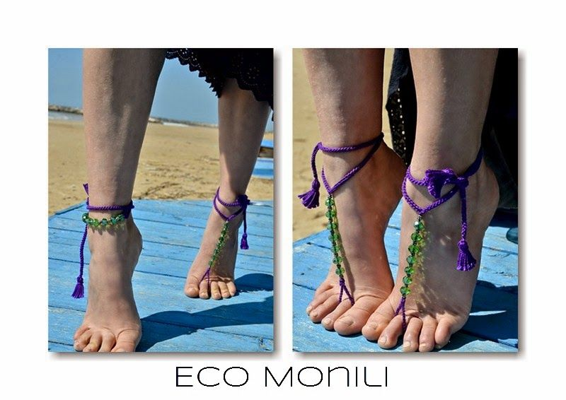 barefoot, piedi, cavigliera, monili, gioielli, recycle, eco sostenibilità, cristalli, perle, crochet, viola, verde, nappine