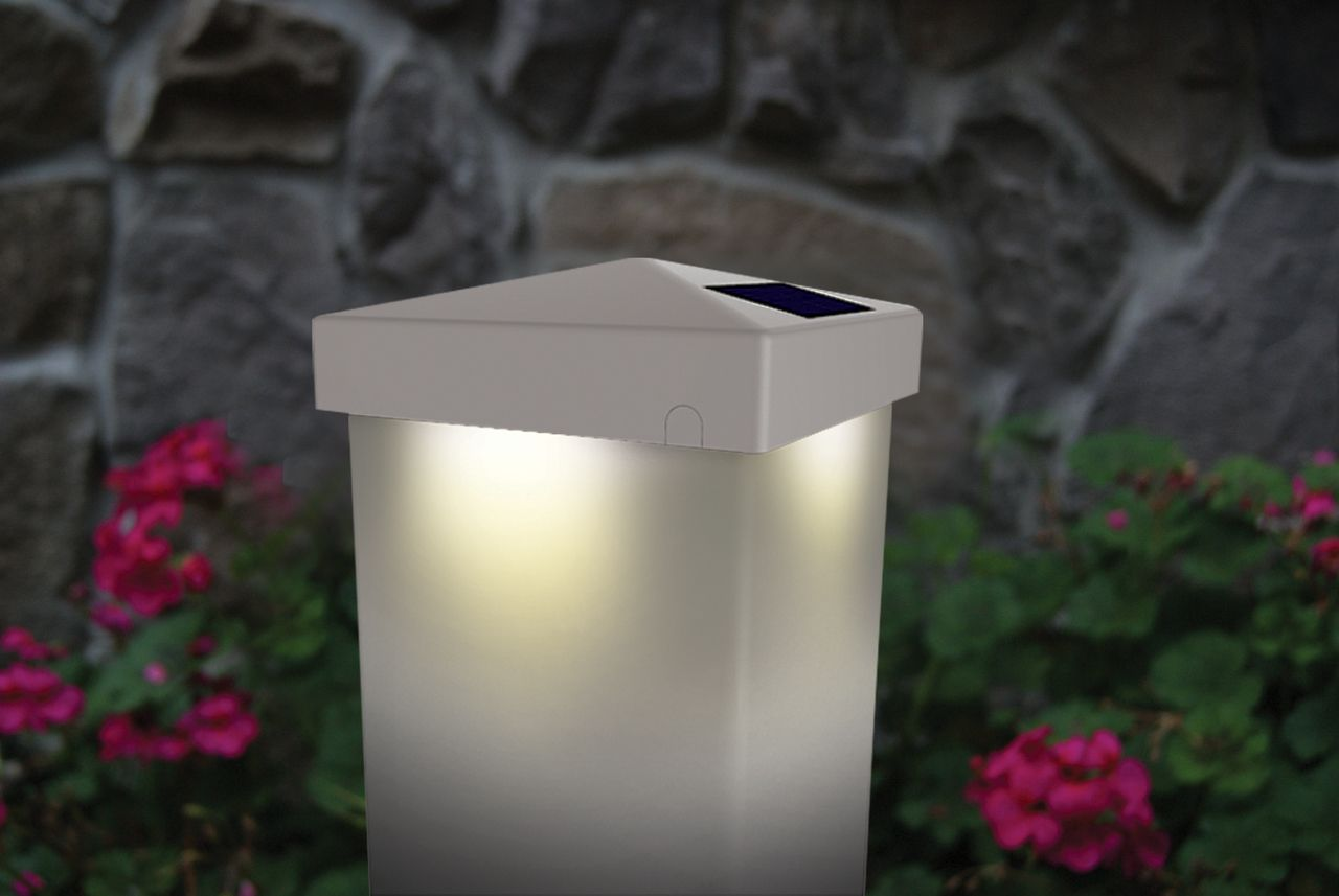 Solar Deck Post Cap Lights White 4x4 Or 5x5 Pyramid Shape Design Deck Posts Deck Post Lights White Vinyl