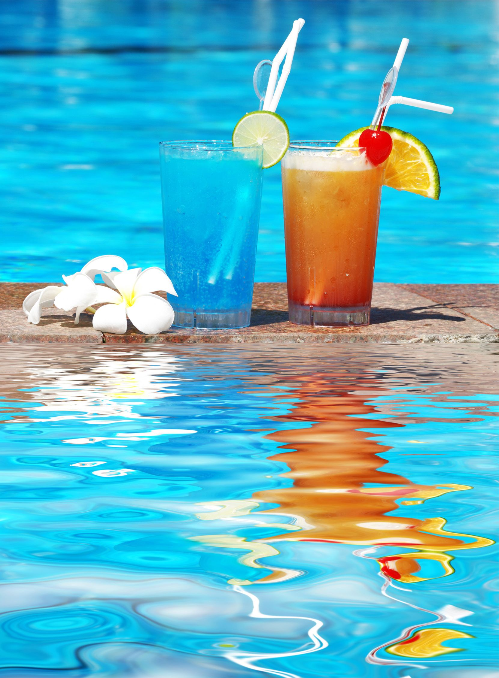 The key to a successful pool party? Make the drinks as refreshing as the  water, and keep them flowing! #cocktail… | Pool party cocktails, Tropical  drink, Cocktails