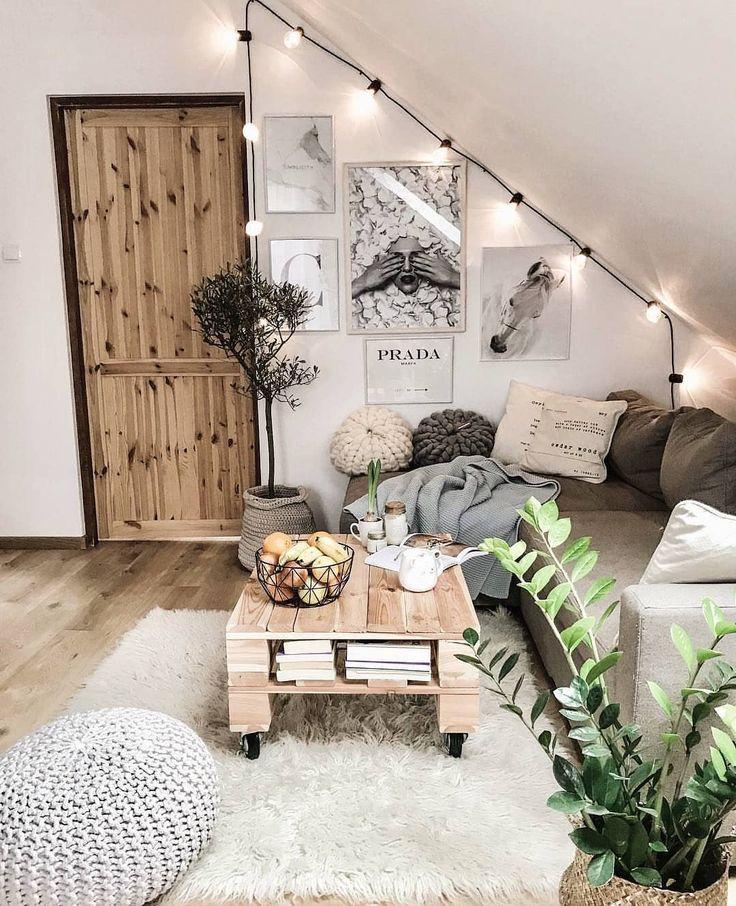 Bild könnte enthalten: 1 Person, Wohnzimmer und Innenbereich #bohemianhome