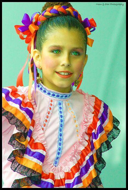 mexican folk dancing beautiful