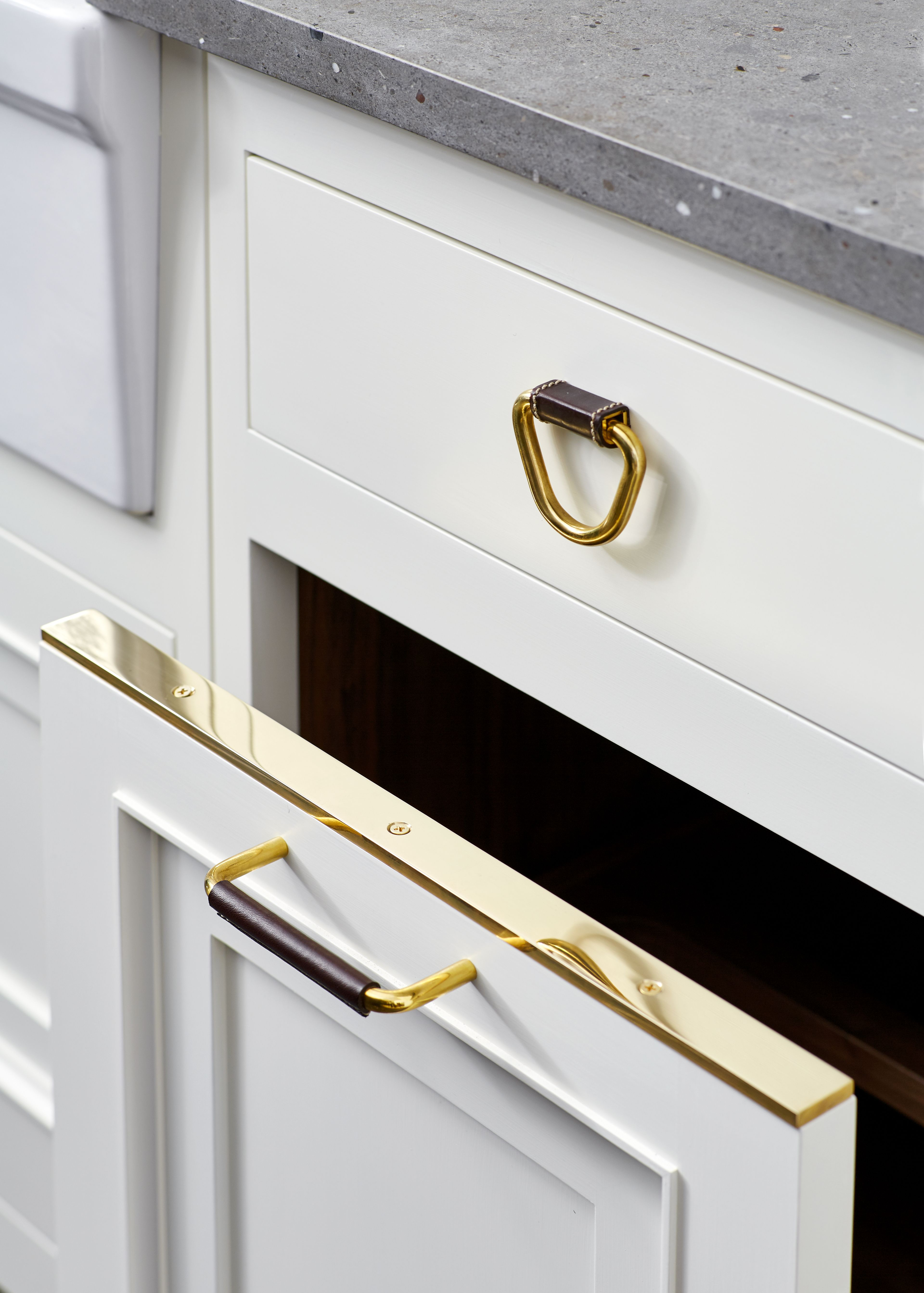 Fallbrook 1 3 4 Leather Pull Cabinetry Hardware Kitchen