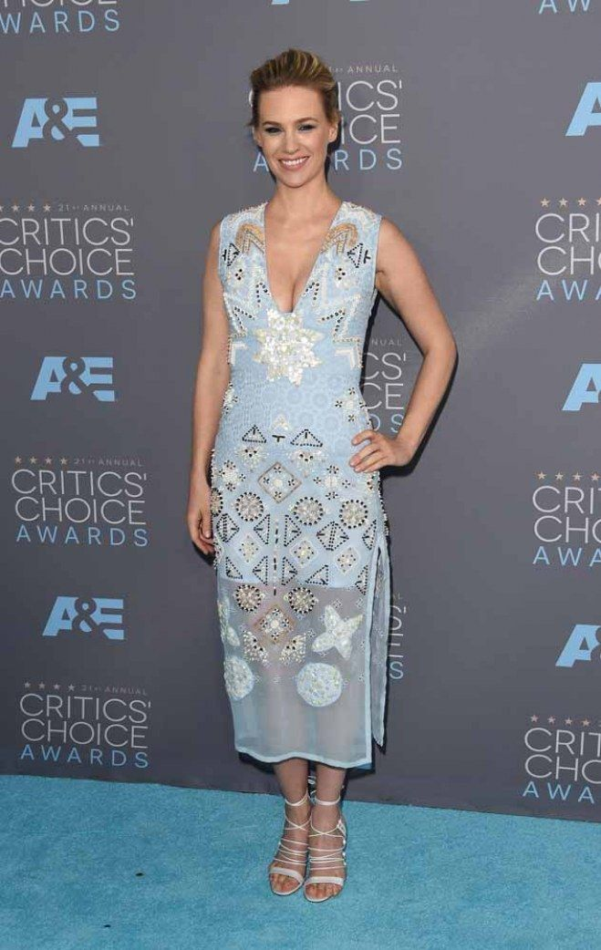 Repasamos todos los #looks de los Critics'Choice Awards - #JanuaryJones #redcarpet #celebrities