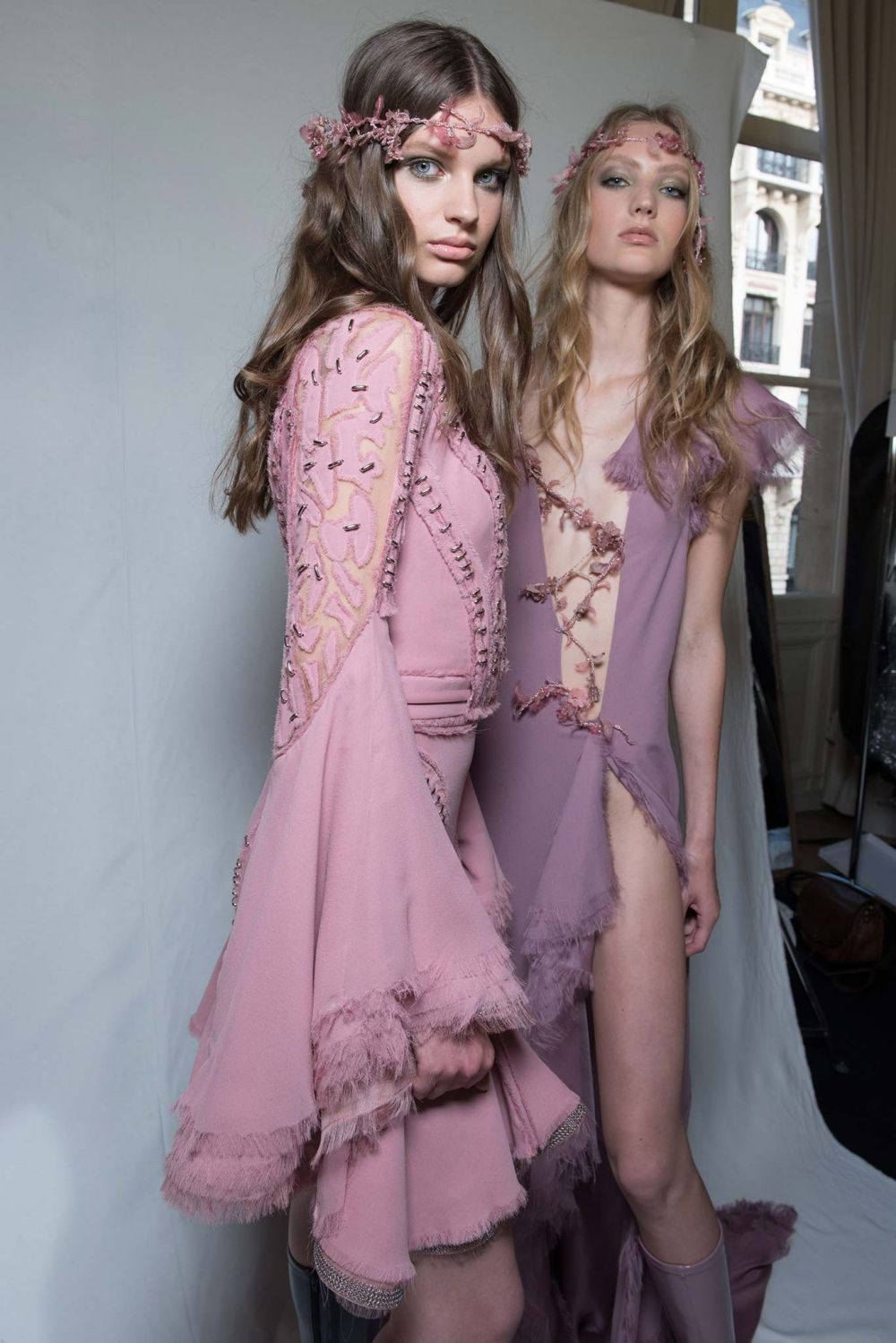 Atelier Versace Haute Couture Fall 2015 Backstage 11 | Fashion ...