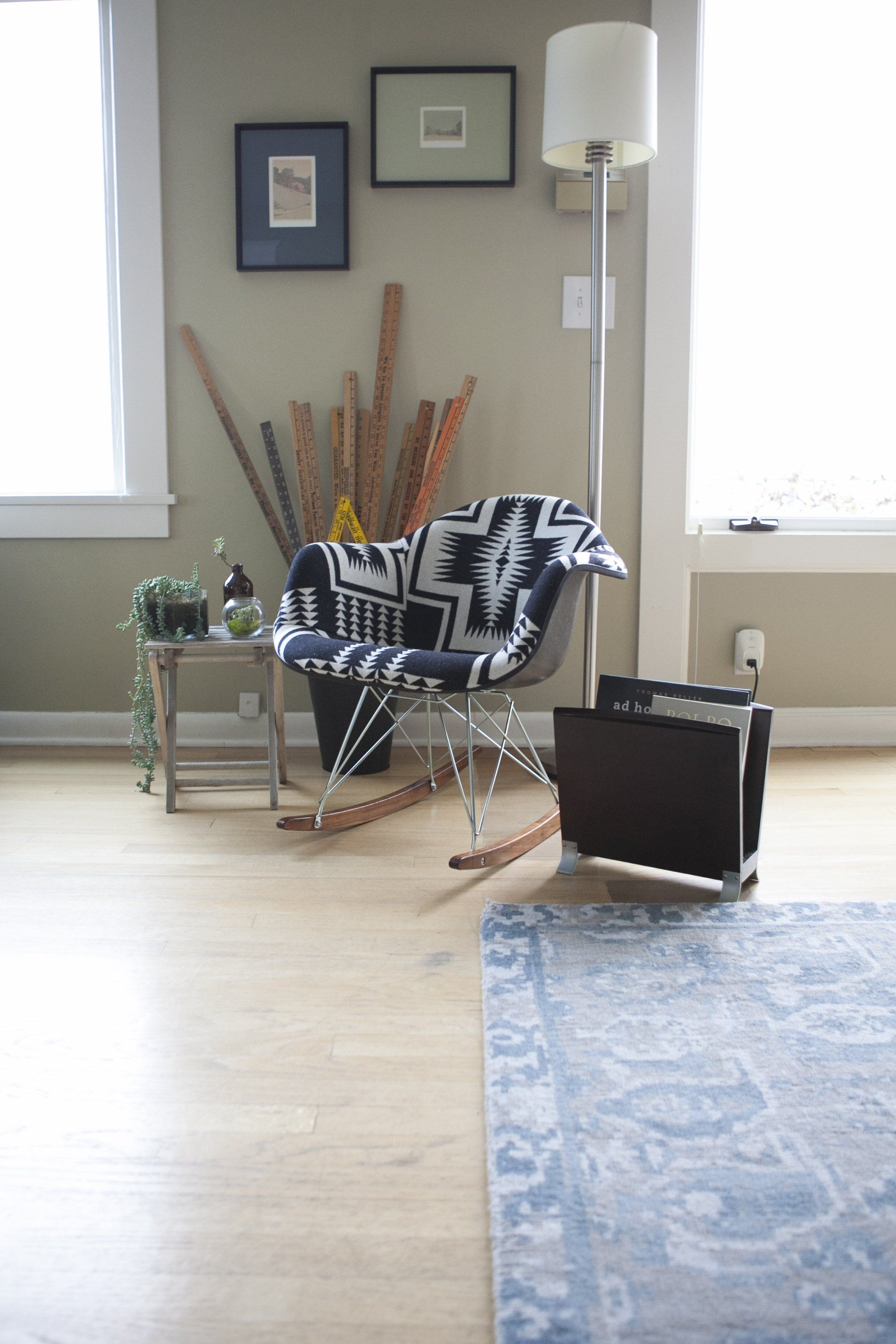 Paint colors that match this Apartment Therapy photo SW 7022