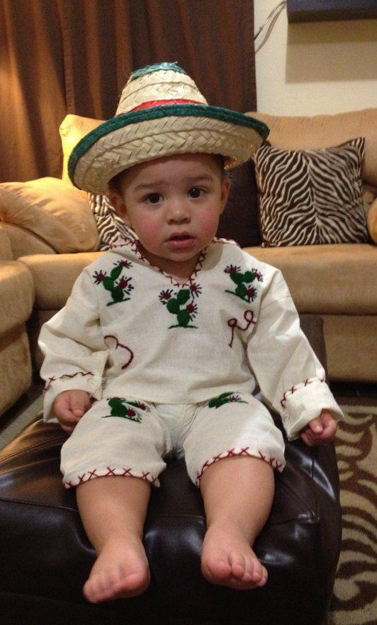 Celebra las fiestas con seguridad para los pequeños: http://espanol.babycenter.com/a7400025/
