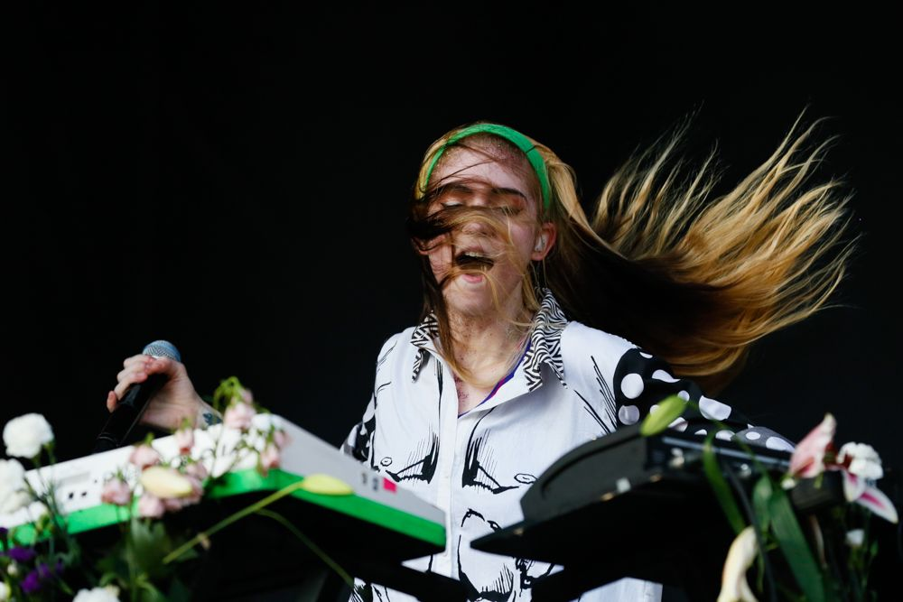 Grimes doing her thing at ACL Festival 2013. Photo by Jack Edinger. tumblr_muqsyqwFsY1sfef1oo1_500.jpg (500×334)