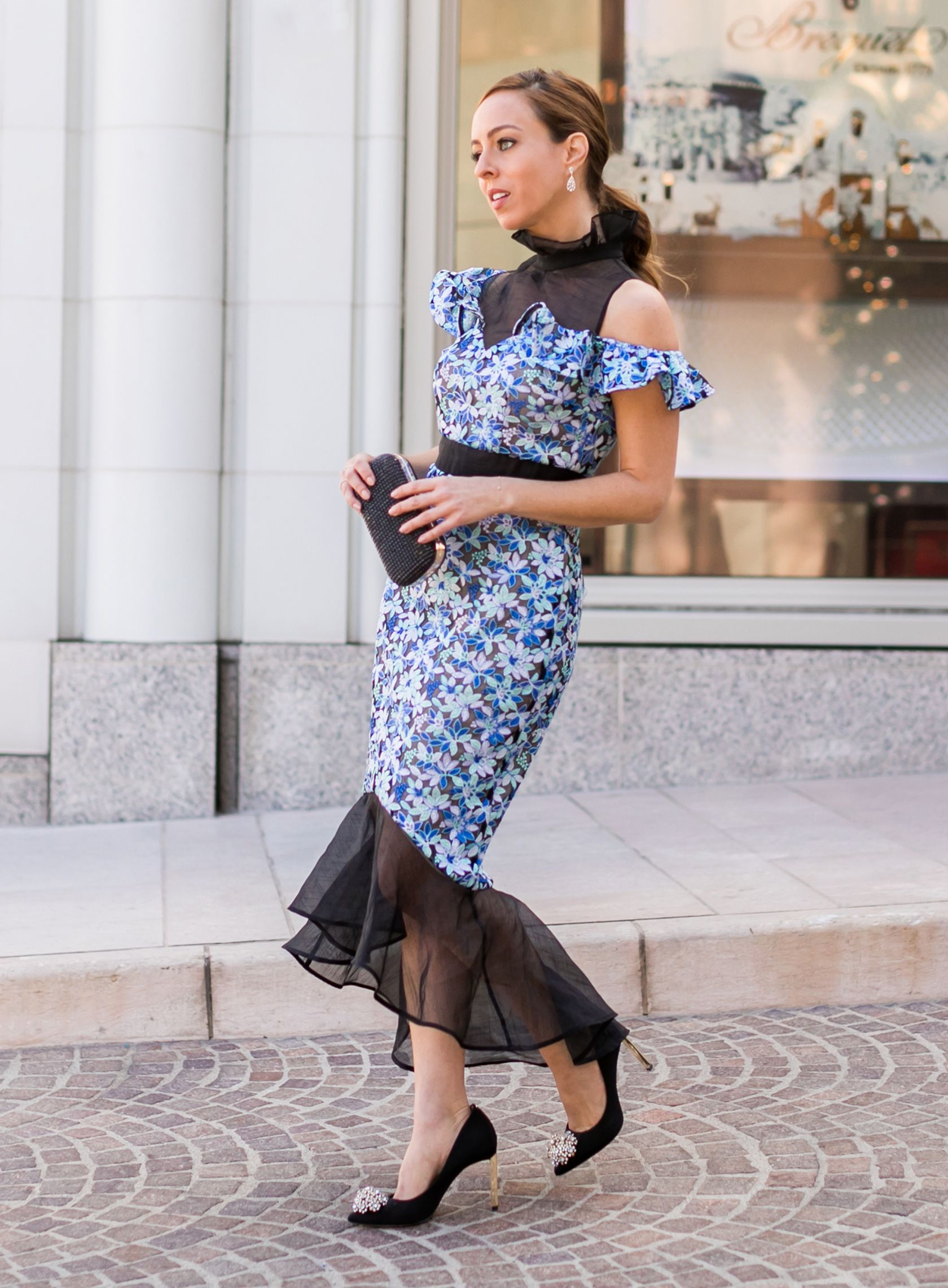 d4630aa3fc Sydne Style shows how to wear a midi dress if you re petite  dresses