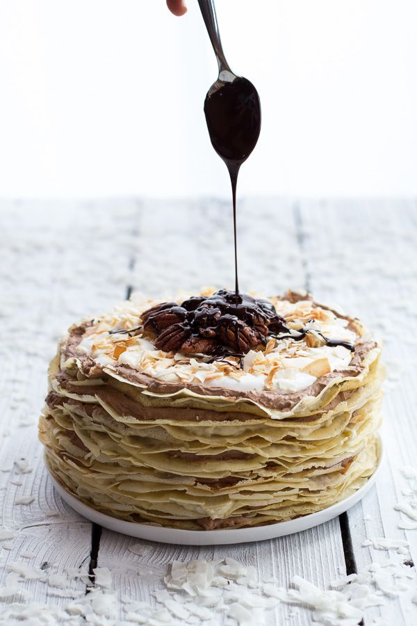 Tarta de Crepes con Mousse de Chocolate y Coco con Crema de Ron / Toasted Coconut Cream Rum and Chocolate Mousse Crepe Cake