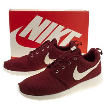 new product 1a6fd 0a5b5 Men's Burgundy Nike Roshe Run at schuh. Twitter ...