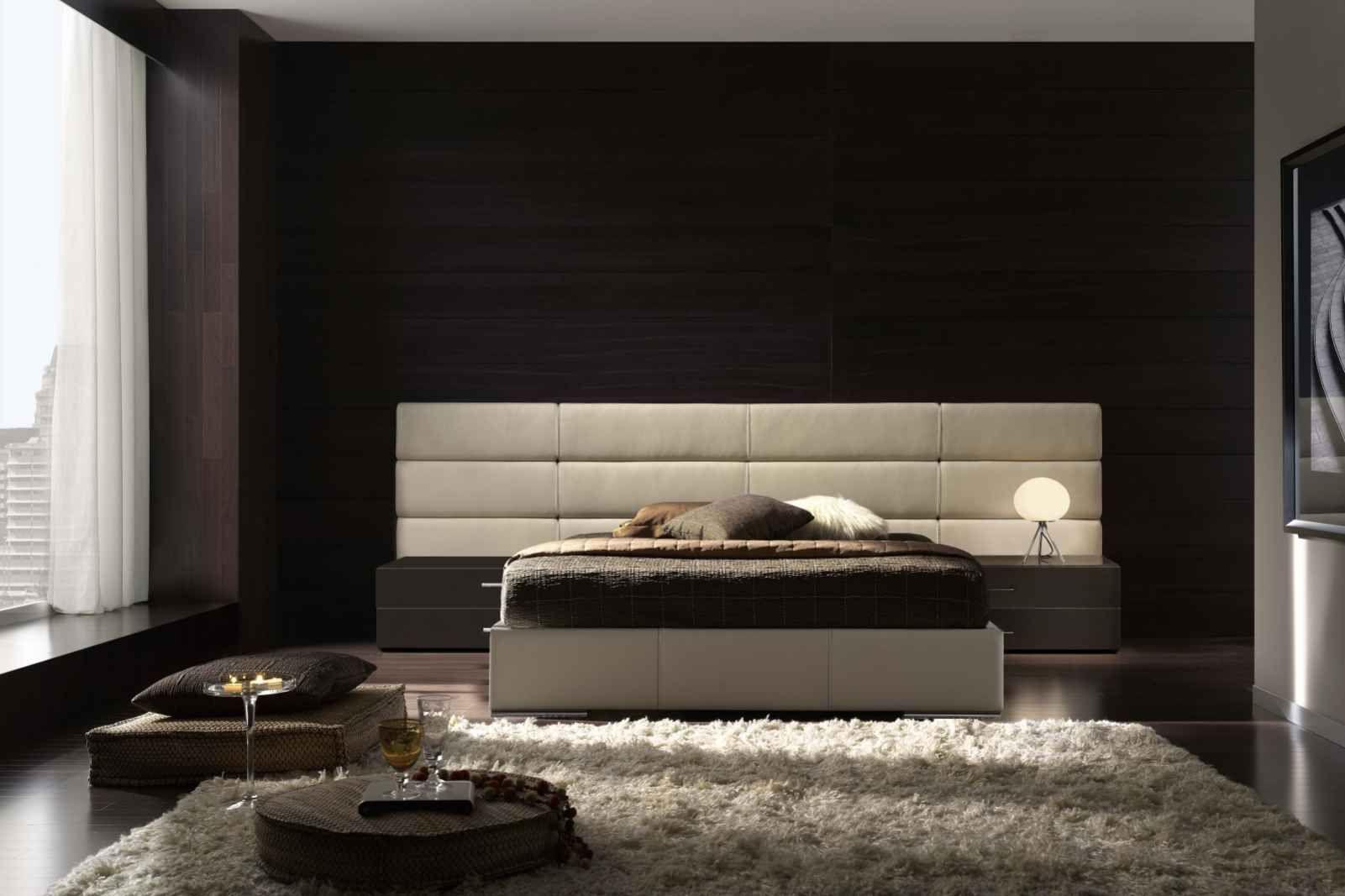 Schwarze Wand Im Schlafzimmer Mit Bett Atenas Von Gamamobel