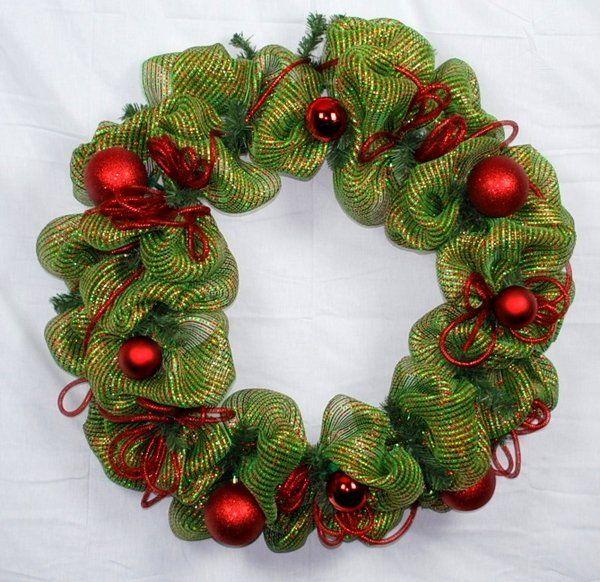 How to make a mesh wreath for Christmas deco mesh wreath tutorial ...