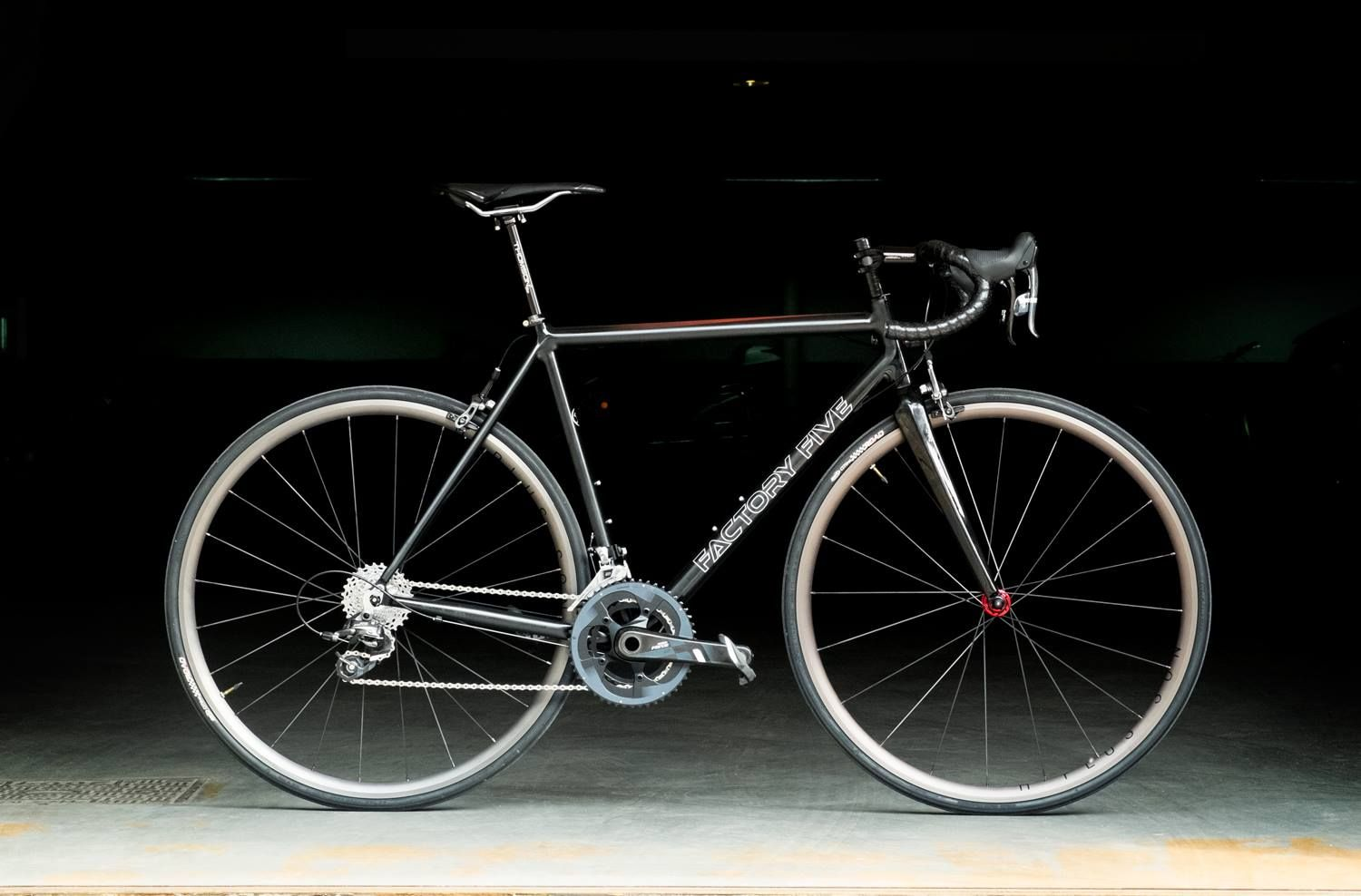 This smooth welded custom road frame was built for Kolja with inner ...