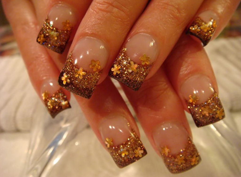 H Marvellous Nail Art Designs In Gold White And Gold Nail Designs