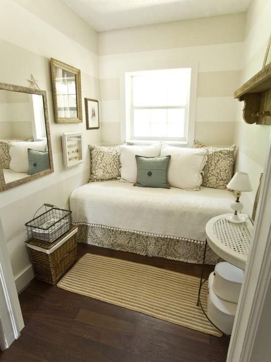 Creamy White And Gray Paint For The Office Guest Bedroom Accent