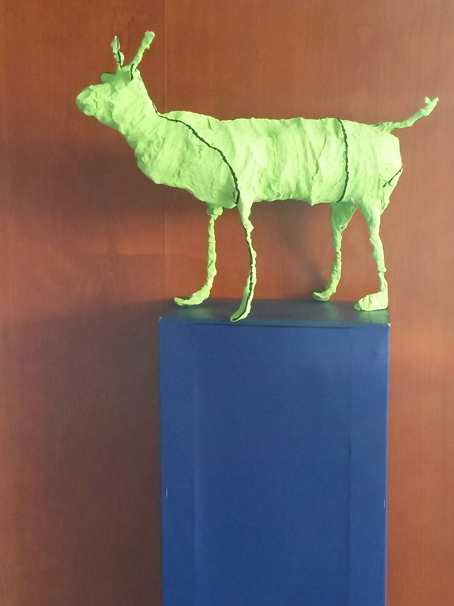 Draht-Gips-Tiere (Schülerarbeit) mit Acrylfarben bemalt | Tiere ...