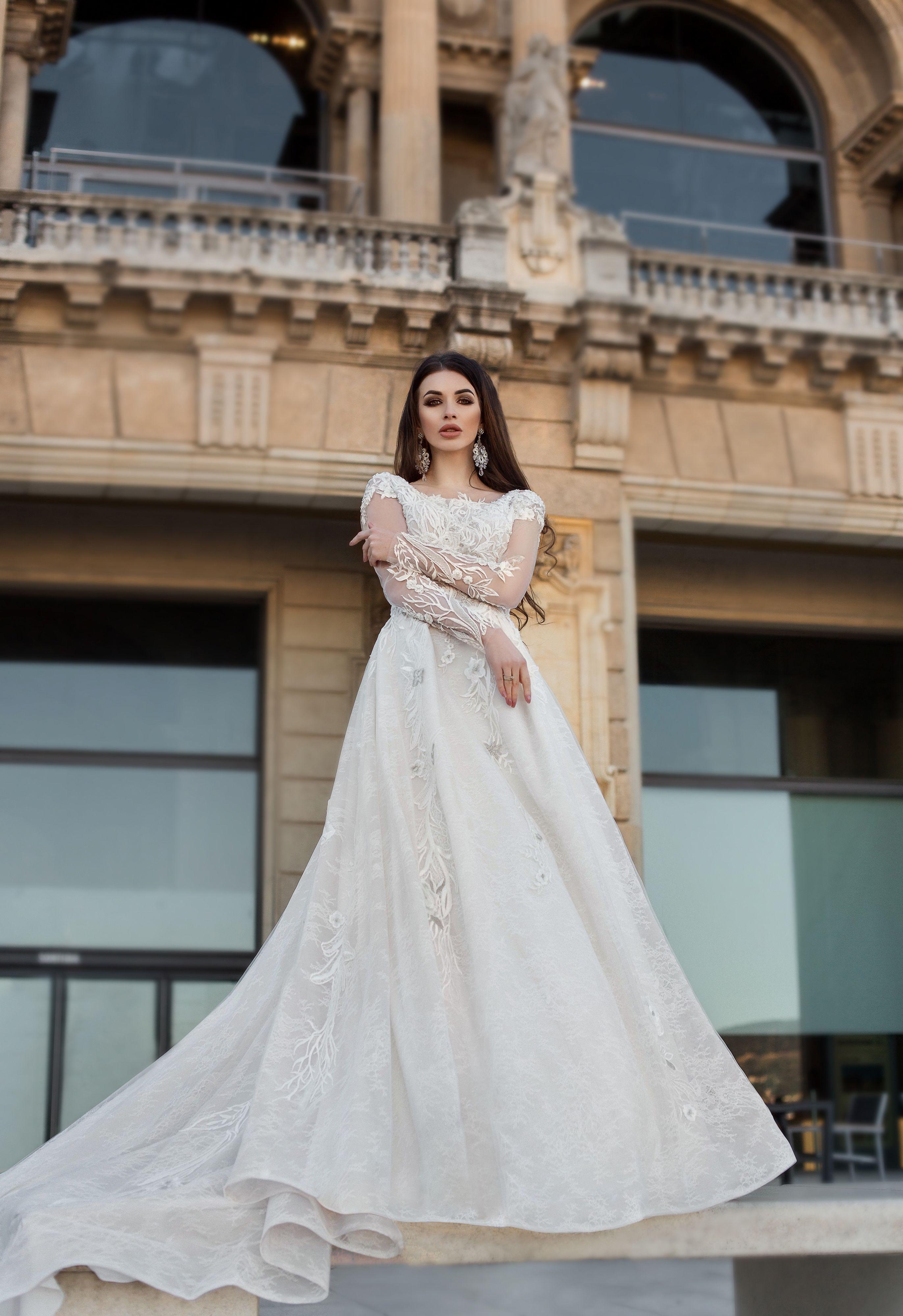 Elegant plus size wedding dress in Massachusetts