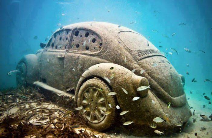 Resultado de imagem para fusca debaixo d'água