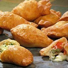 Frittelle (via www.foodily.com/r/XBYd45EMl-frittelle)