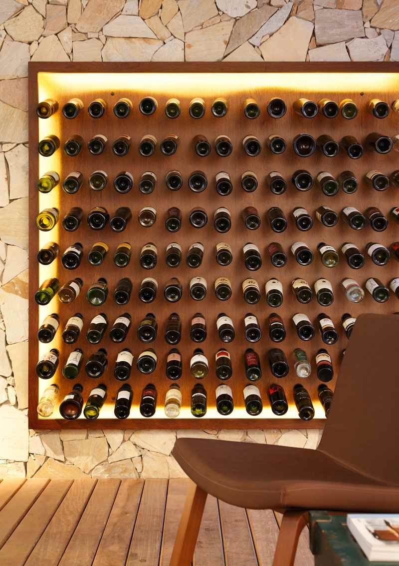 Nosotros Bar Avec Meuble Bar Design Et Mur Facette Lumineux