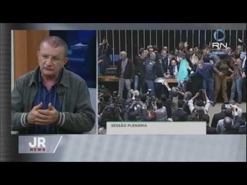 Cientista político analisa protesto que pedia intervenção militar