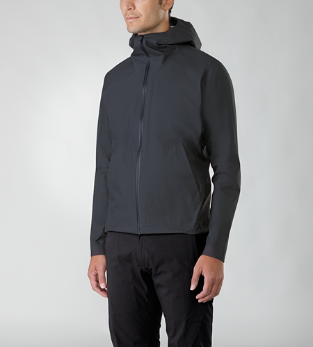 Actuator Jacket Men's Lightweight hooded jacket constructed using waterproof, breathable GORE-TEX® fabric, paired with two discreet hand pockets and an internal zippered stow pocket that doubles as a stuff pouch to refine this jacket's overall versatility.
