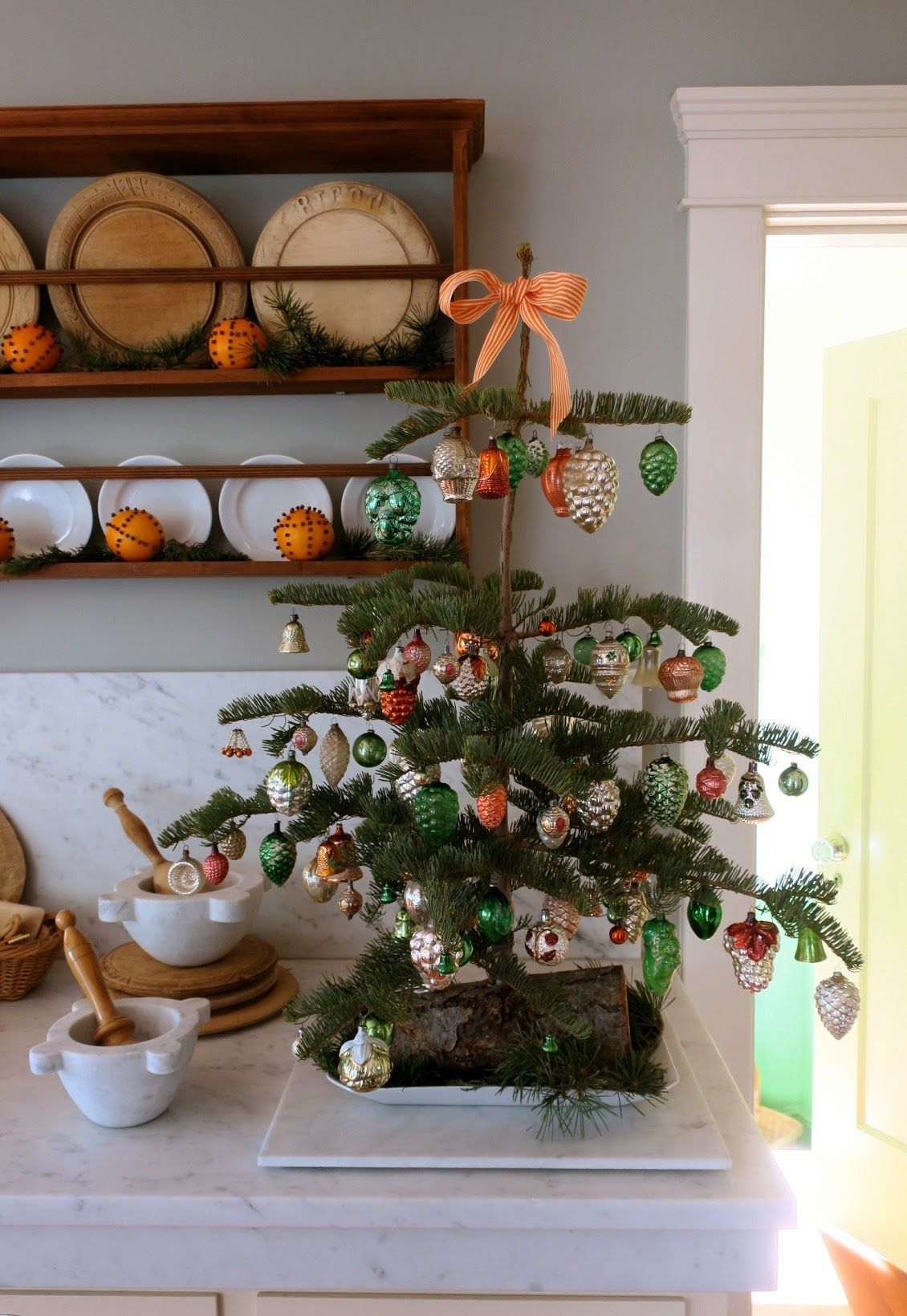 Chronica Domus: A Kitchen Tree For Christmas | Holiday Decor ...
