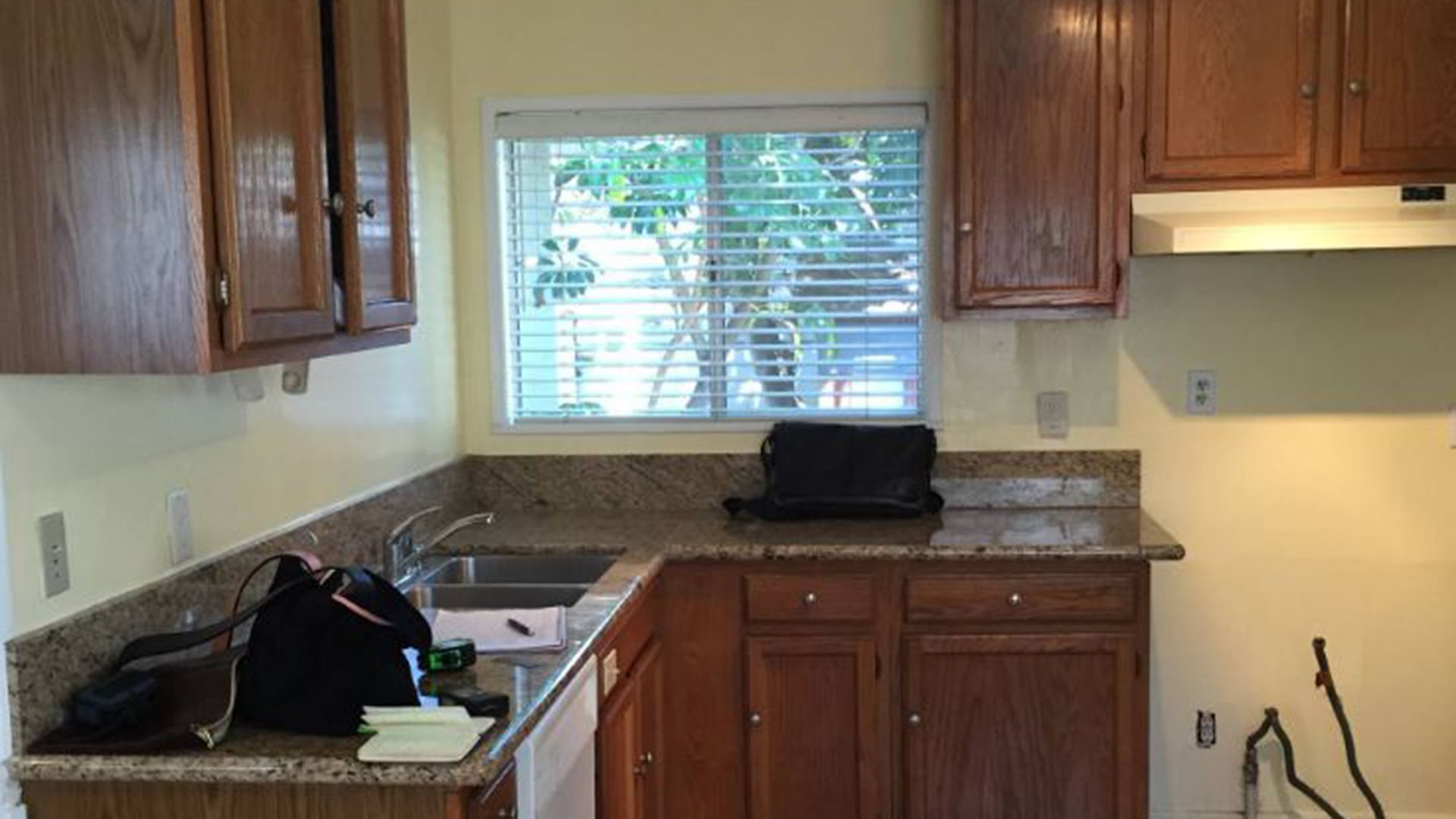 See this kitchen go from depressing to delightful | Depressing ...