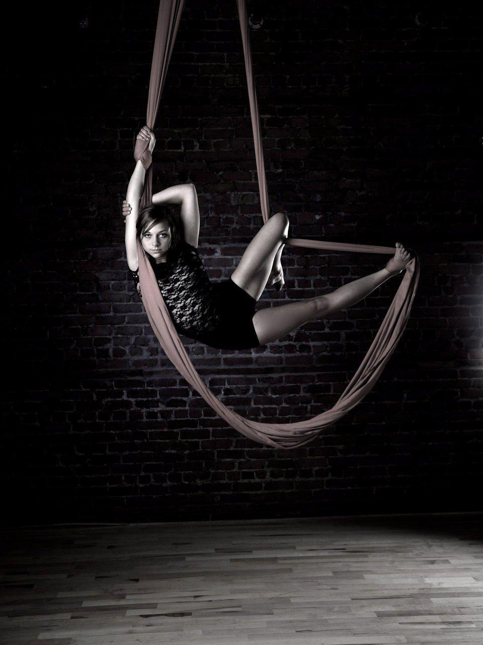 aerial hammock   hung high on the ceiling like aerial silks  i really wanna learn aerial hammock   hung high on the ceiling like aerial silks  i      rh   pinterest