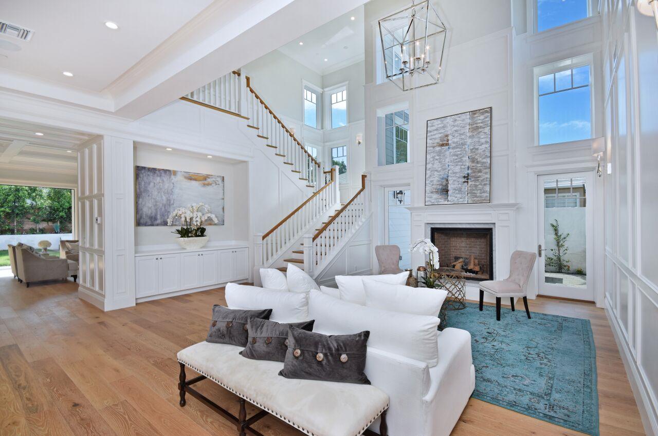 Colleen Ballinger house in Beverly Hills, California