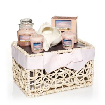 Pink Sands™ Gift Basket : Yankee Candle | Yankee candle ...