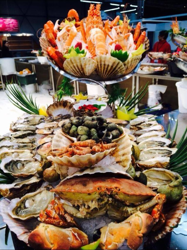 Gorgeous seafood buffet chefporn pinterest for Buffet cuisine