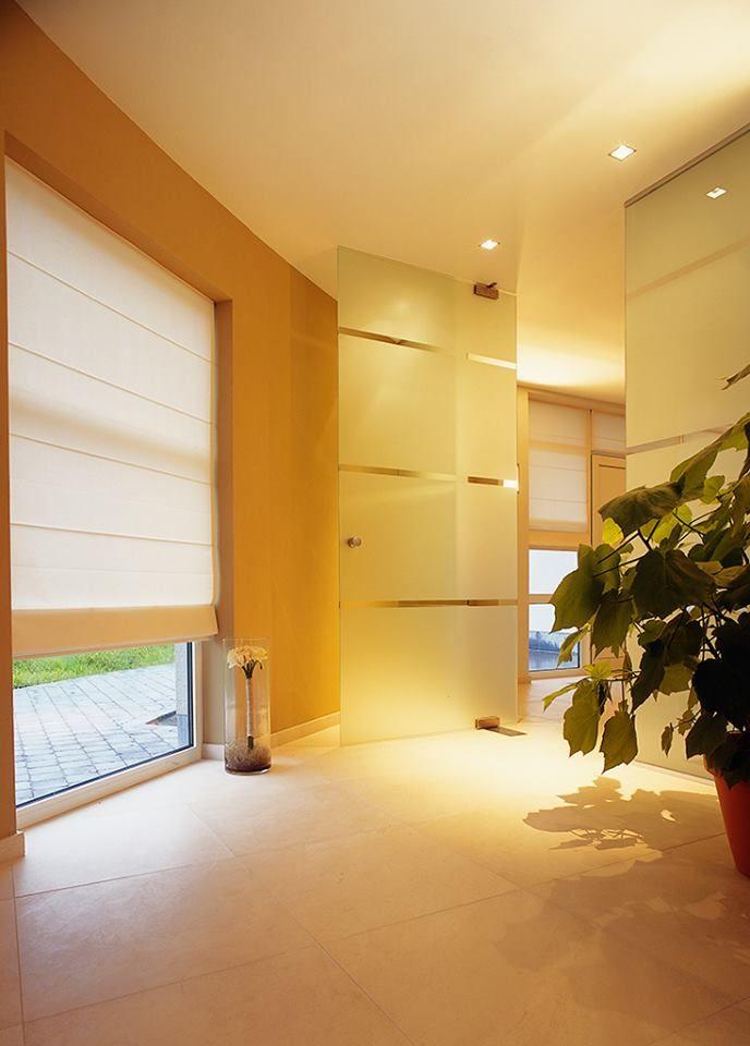 Voor elke kamer in uw huis maken wij uw vouwgordijn op maat. Elk product is verkrijgbaar met elektrische bediening.