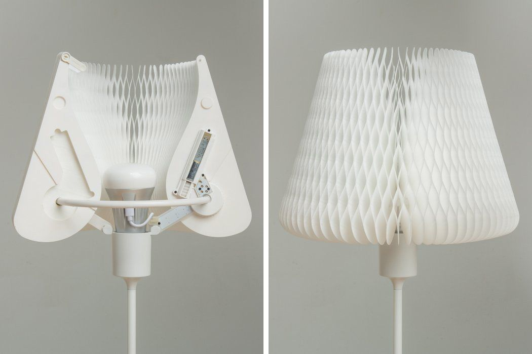 Table Lamp with Transformable Kinetic Lamp Shade