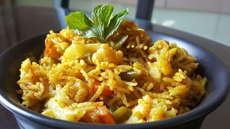 """""""Aalu Pulav"""", """"Aalu Biryani"""", """"Potato Rice"""" – """"Aloo Ki Tahari"""" Recipe  (Yellow Veg Pulao) Hindi"""